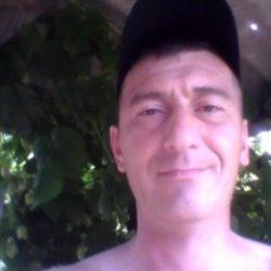 Парень ищет девушку в Томске для секса без обязательств